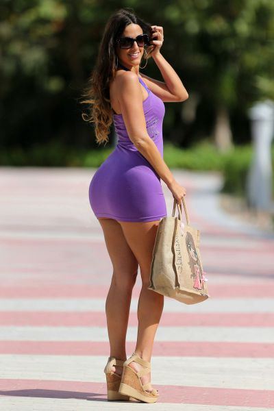 фото попки в платье